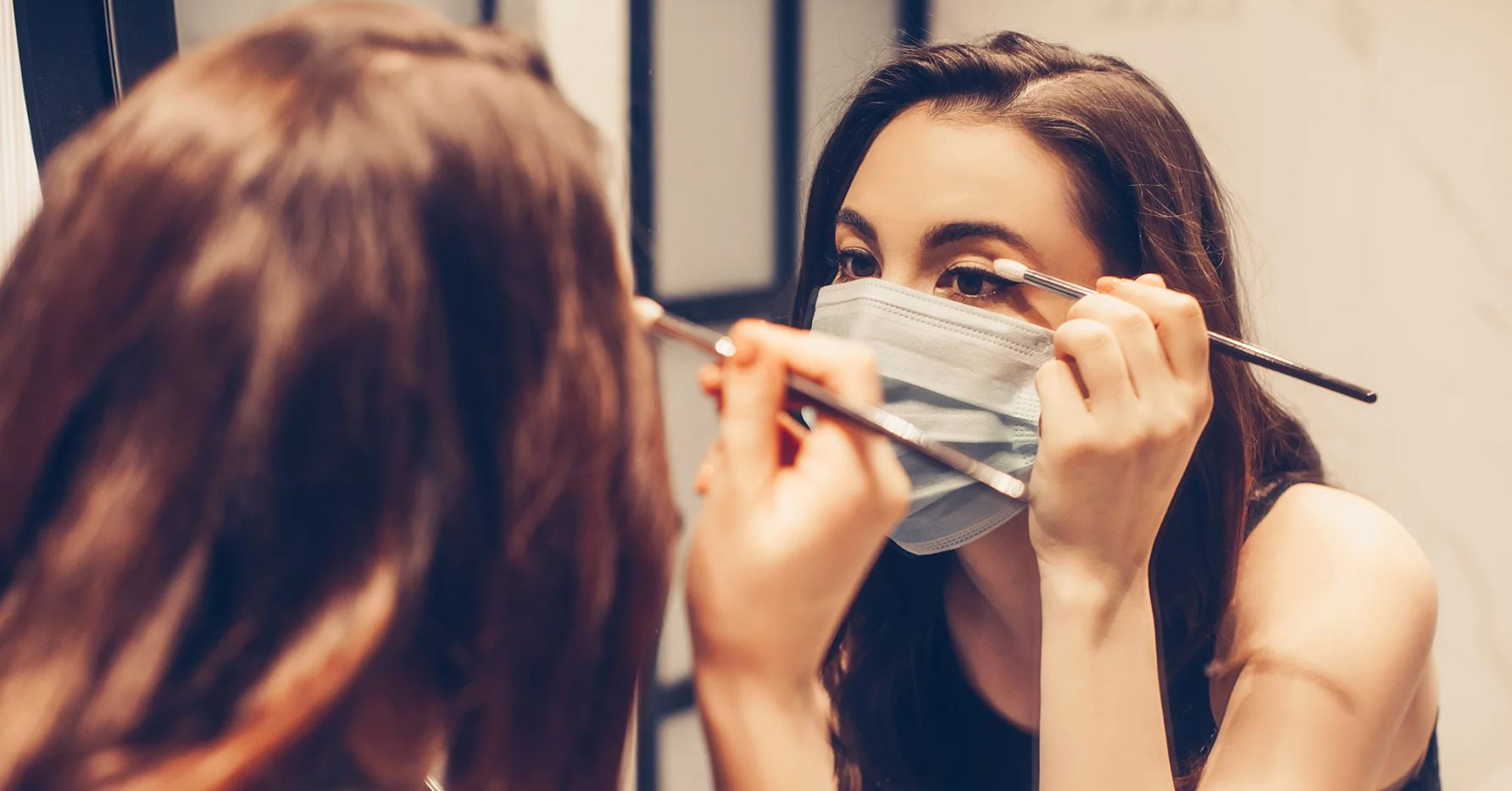 Maquillaje para pestañas y ojos con cubrebocas